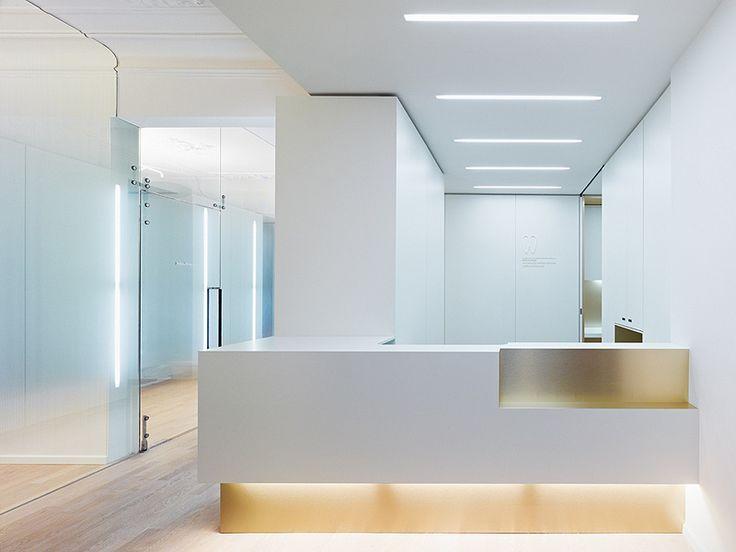 Clínica dental en un edificio histórico, proyectada por Ippolito Fleitz Group | diseño de interiores en casa