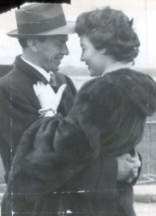 Frank & Ava during the early days of their marriage.