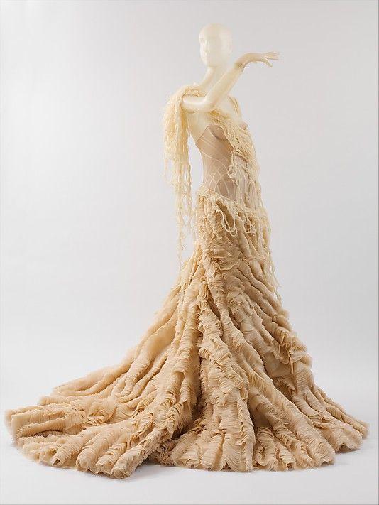 Alexander Mcqueen - Oyster Dress 2010.
