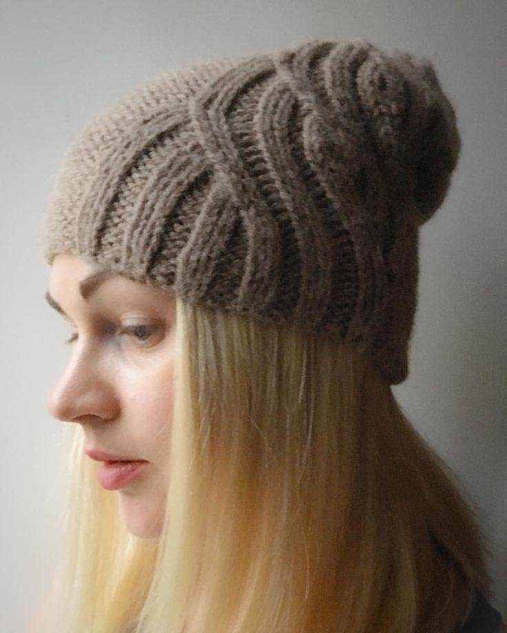 27 отметок «Нравится», 4 комментариев — Евгения Колосова (@e.kolosova_knitting) в Instagram: «Ещё одна моя шапка, отличный осенний вариант. Купила как-то #dropsnepal на свитер ребёнку, но...…»