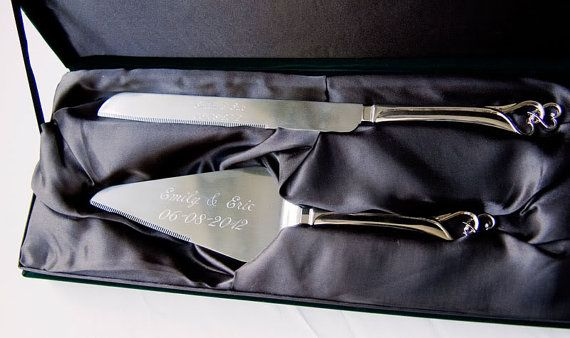 Personalized wedding cake knife and server set
