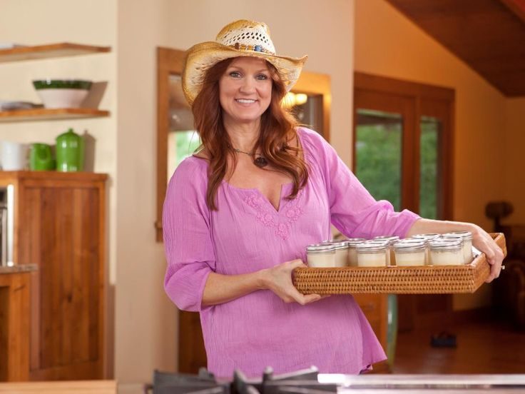 Dig into a hearty hors d'oeuvres spread complete with Ree Drummond's top picks for party-ready fare.