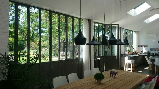 les 25 meilleures id es de la cat gorie fen tres en acier sur pinterest portes en acier porte. Black Bedroom Furniture Sets. Home Design Ideas