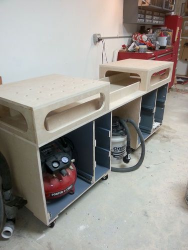 """Ron Paulk Workbench """"Miter Station"""" **Flip the top for workbench. LIke the plan, but don't want a flip for mine..."""