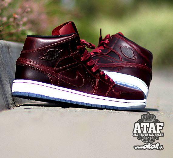 Nike Air Jordan 1 Mi Nouveau Fleurs Bordeaux