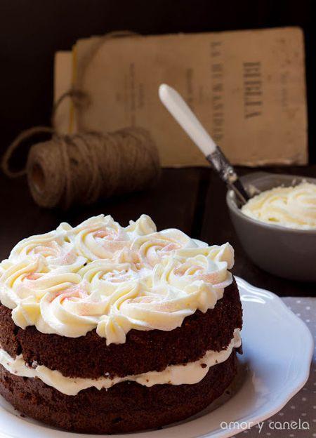 Tarta de chocolate con crema de mascarpone / de http://www.amorycanela.com/