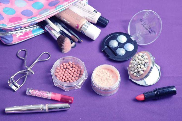 Nuestra mayor recomendación es comprar maquillaje e ir probando para sacar tu propia opinión; con la experiencia uno elige sus marcas favoritas.    ¿Qué debe contener un kit básico de maquillaje?