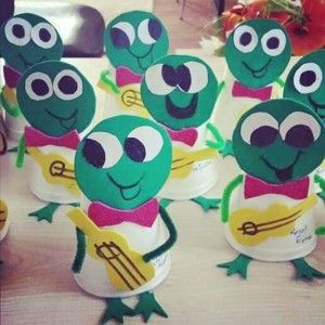 paper cup frog craft (1)