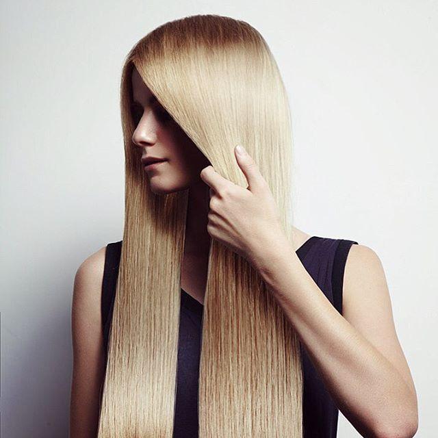 Кератиновое выпрямление волос стало едва ли не одной из самых популярных процедур в салонах красоты. Еще бы, ведь с помощью такого выпрямления волосы становятся невероятно гладкими, приобретают блеск✨. Кератиновое выпрямление даже вьющиеся и непослушные волосы делает прямыми и ухоженными. Запись по ☎️943-90-99. @salon_restyling_spb ждёт Вас по адресу #мебельная35к2 . #кератиновоевыпрямление #кератинспб #выпрямлениеволосспб #кератиновоевыпрямлениепитер #гладкиеволосы #блесквол...
