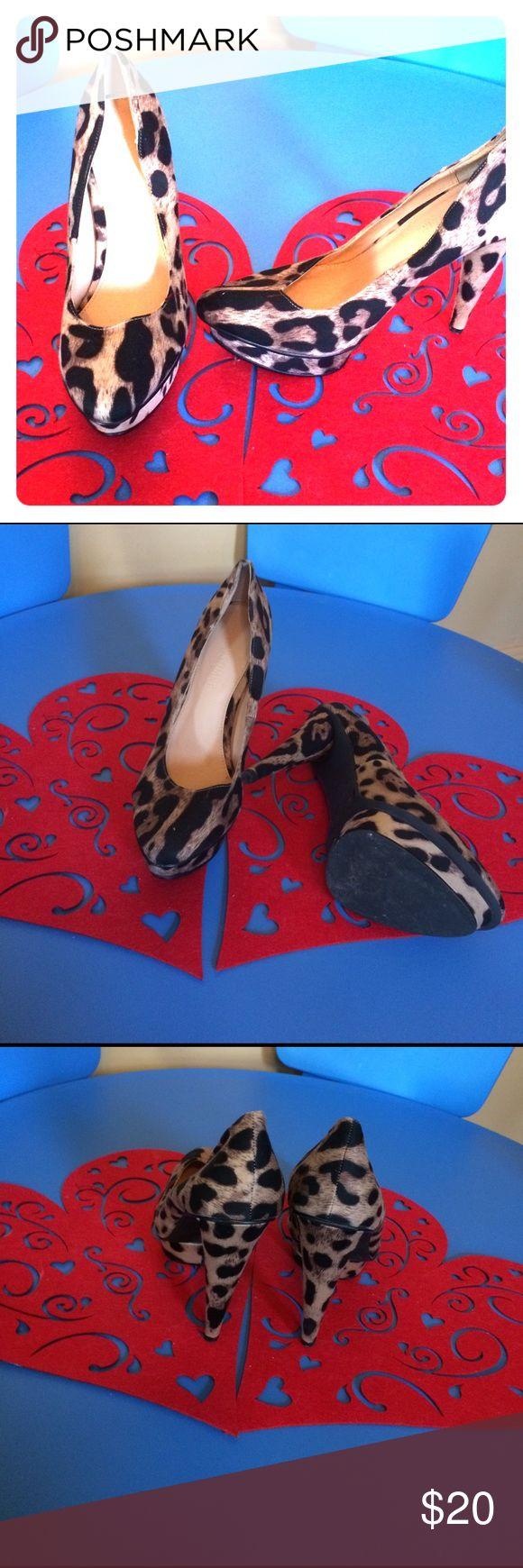 Leopard Colin Stuart high heels 👠 size 10 Colin Stuart leopard high heels 👠 excellent condition size 10 Colin Stuart Shoes Heels