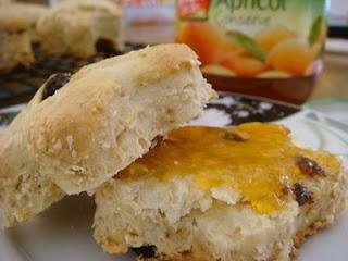 Sultana, honey and oat scones | Porn | Pinterest