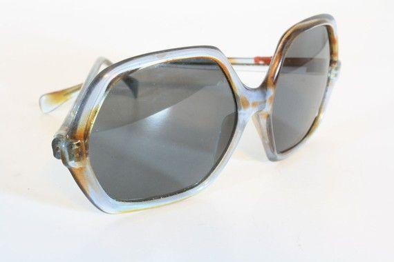 vintage 1970s sunglasses = awesomeness