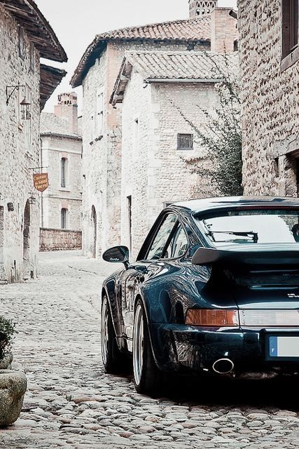 Porsche. Such a stunning piece of manufacturing. Looks at the body on it <3