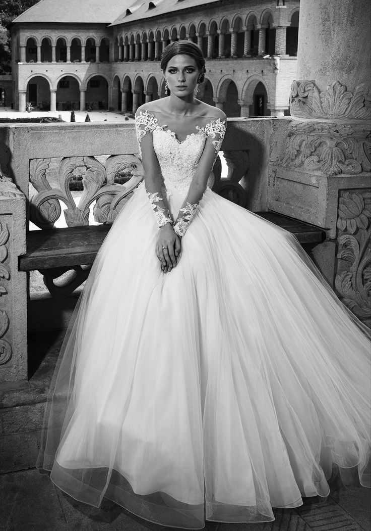 Picture-perfect sweetness at every turn, this full-length 2016 luxury princess gown features all the delicate touches of a vision of loveliness and a fit designed for your fairy tale love story. See more of Addicted to Stage at our website www.biensavvy.eu or book an appointment for a showroom fitting at office@biensavvy.eu