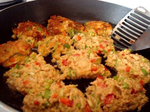 Salmon Patties Recipe Paula Deen | Around the Family Dinner Table