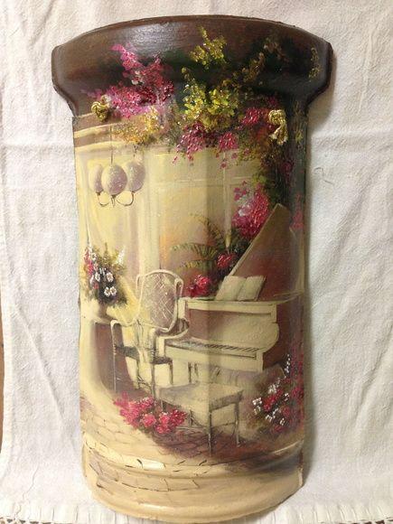 Telha com decoupagem acrescida de dimensionais e pintura a óleo. R$ 47,88