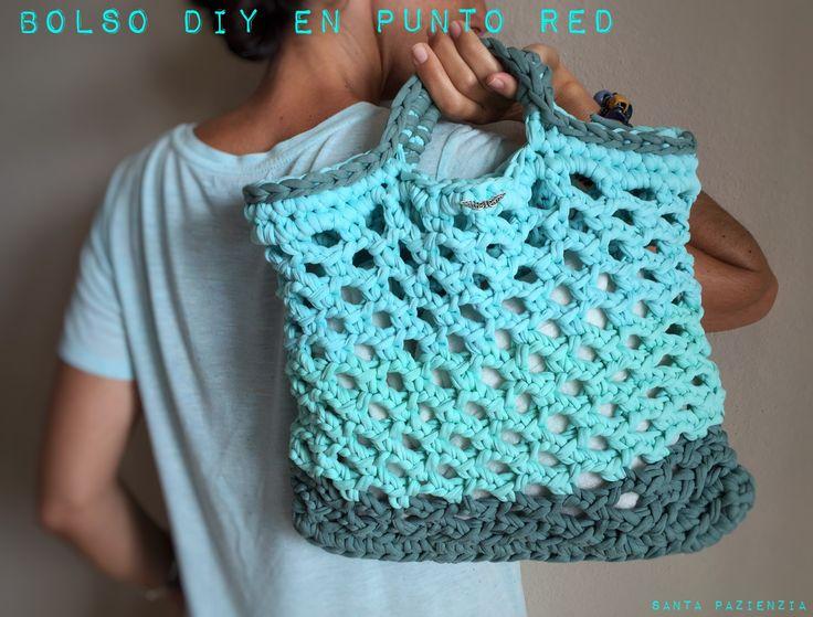 Gracias a Santa Pazienzia, blogger DIY Show, por este tutorial de un precioso bolso para ir a la playa!