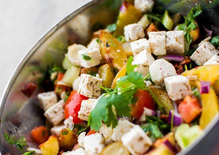 Lun potetsalat med tomat og feta - http://www.matbok.no/lun-potetsalat/