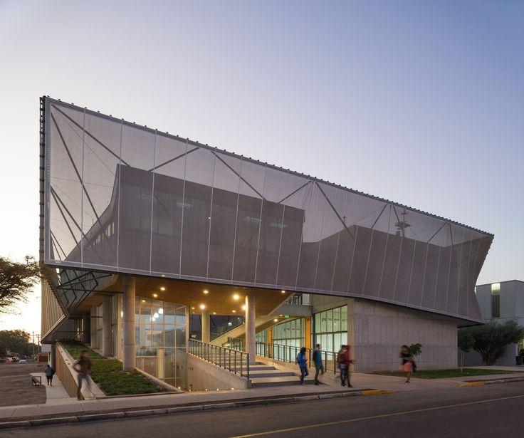 Gallery of Physics Department Building / Marsino Arquitectura - 1