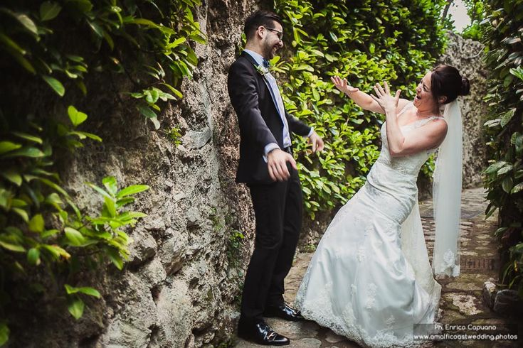 Enrico Capuano, professional wedding photographer based in Ravello, Amalfi Coast, Italy Funny wedding photography section. Find out more photos on: www.amalficoastwedding.photos