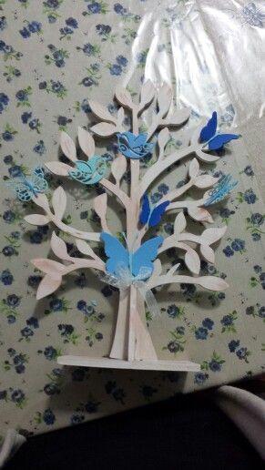 Albero realizzato a mano con farfalle in fommy