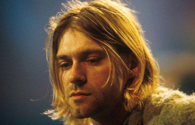 Легендарная гитара фронтмена Nirvana Курта Кобейна Hagstrom Blue Sparkle Deluxe доступна для покупки на eBay — инструмент выставлен на аукцион, а средства от его продажи пойдут на благотворительнос…