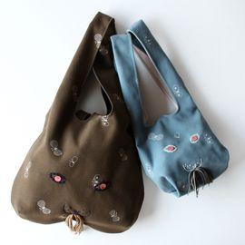 CLASKA(クラスカ)のトートバッグ「CLASKA|G&S DO TOTE BAG」をCDC GENERAL STORE(シーディーシー ジェネラルストア)で購入できます。暮らしを素敵にするモノを集めたショッピングモール、キナリノモール。
