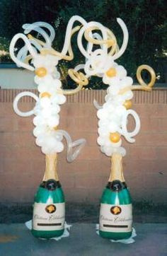 17 best images about balloon great gatsby on pinterest for Champagne balloon wall