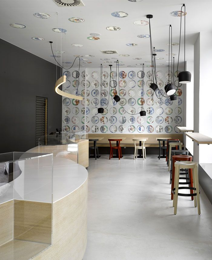 Bistro Decor Provokes the Young Spirit and Creativity Offers a Relaxing Atmosphere