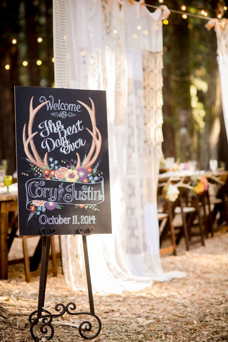 Black Wedding Sign With Antler Design | Brittrene Photography https://www.theknot.com/marketplace/brittrene-photography-san-francisco-ca-397848 | Angela Perteet