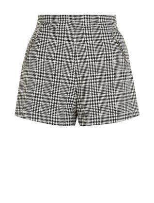 A great addition to your autumn wardrobe, these Teens Black Check High Waisted Shorts can be worn with jumpers, shirts and tops. £14.99 #newlook #fashion