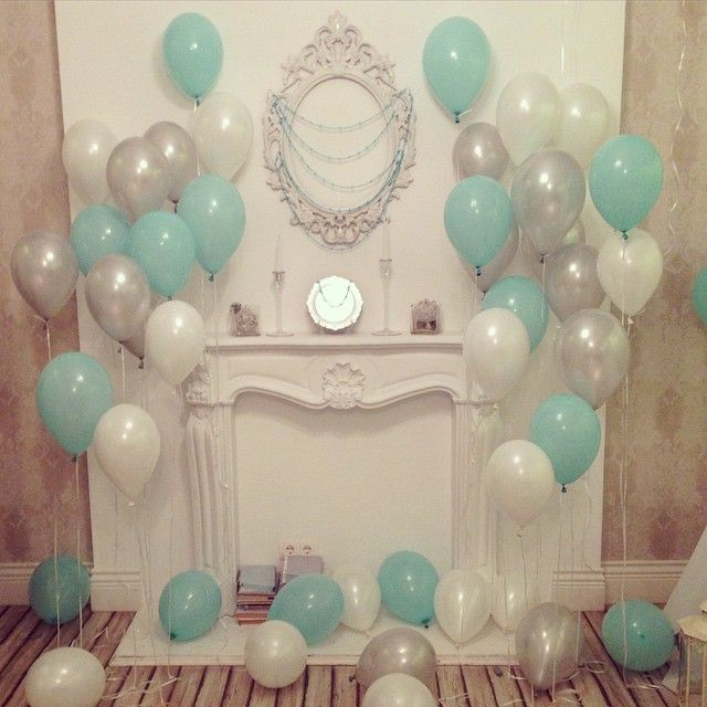 Сегодня был день рождения моей доченьки! И для нее и всех гостей мы подготовили вот такую простую но милую фото зону! День рождения был стилизован под зимнюю ледяную сказку , но мы решили уйти от синего и голубого и делать все ментоловым !!! ❄️ очень уж на нравится этот цвет!!! #декор #деньрождения #детскийпраздник #шарики #воздушныешарики #деньрождениядочки #доченька #фотозона #лучшийдень #тверь #photo #party #bestday #happybirthday #birthday