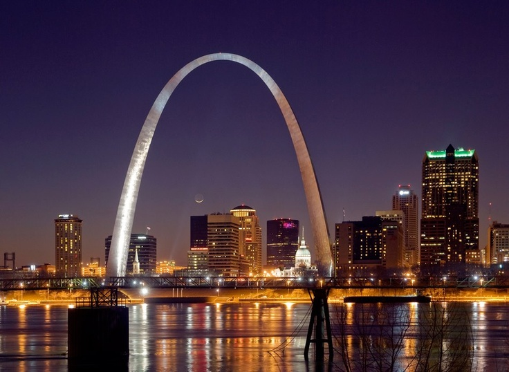 Saint Louis Arch... Gateway to the west!!!