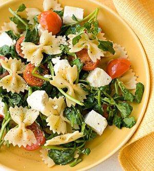 Bow tie pasta, cherry tomatoes, garlic, spinach, mozzarella