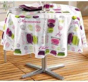 Toile cirée ronde 160 cm, nappe imperméable avec imprimés décoratifs macarons -  12,99 € sur www.ac-deco.com #nappe #décoration #gourmande