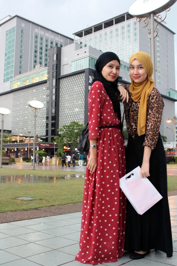 afiqahsafira:  New dress from thepoplook.com. You like? :)