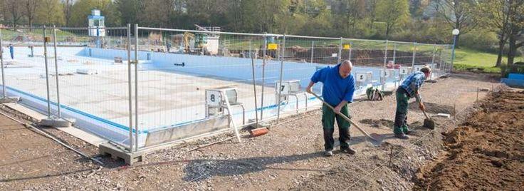 In der Sommersaison 2015 konnte das Sportbecken im Kombibad in Essen-Kettwig wegen eines Lecks nicht genutzt werden. Jetzt wurden Becken und Rohre rundum erneuert. Ende Mai soll der Außenbereich geöffnet werden