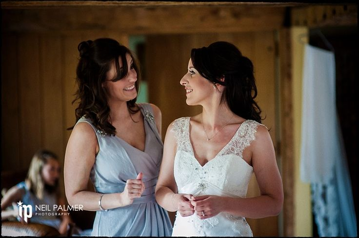 Weddings at Wasing Park Estate Berkshire - bride having a final chat with chief bridesmaid #wasingpark #weddings