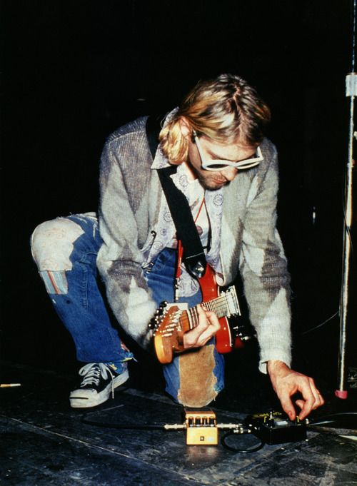 Kurt Cobain, Converse Jack Purcell shoes, Fender Mustang Guitar, Boss Turbo Distortion Sans Amp Classic Stompbox