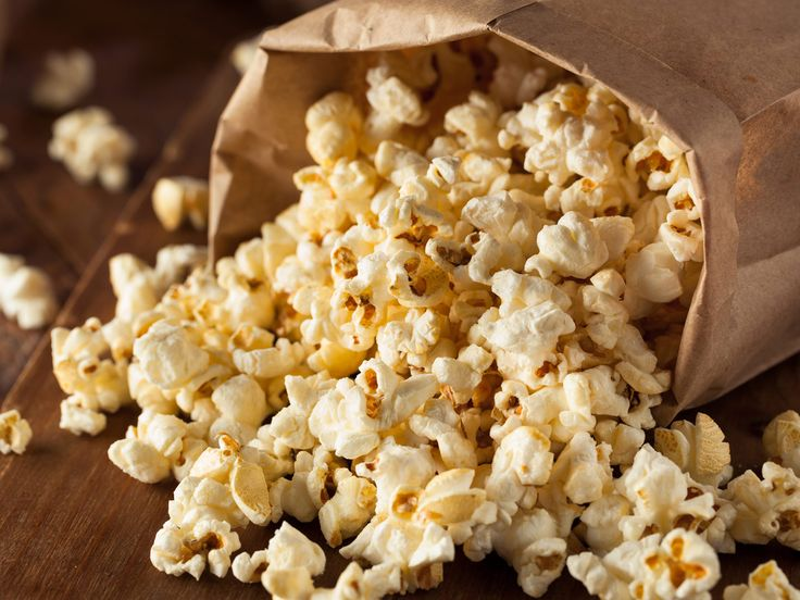 Our healthy popcorn video shows how to make microwave popcorn that minimizes the mess, extra fat and calories, and any unhealthy additives that store-bought microwave popcorn dishes up – but still has all the flavor.