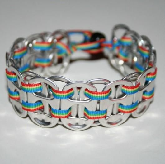 Bracelet with some splines...colorful!