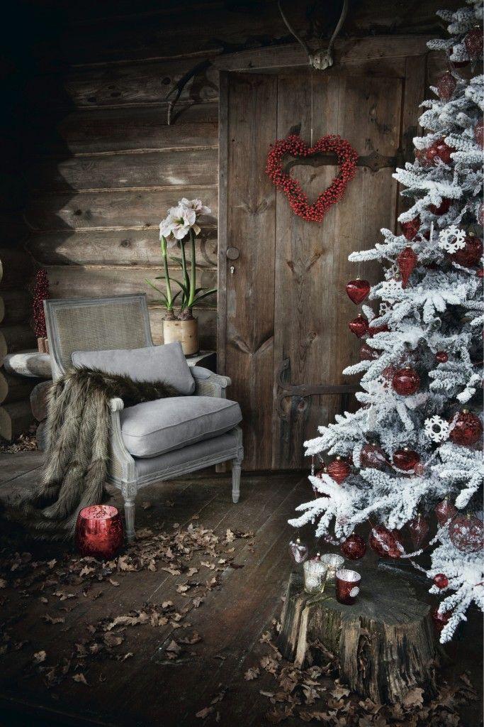 Du blanc et rouge pour un sapin hivernal