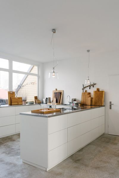 kitchen: small, simple and white