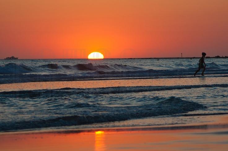 Atardecer en la Playa de la Barrosa, Chiclana de la Frontera. Cádiz. Foto: Teresa Soria.