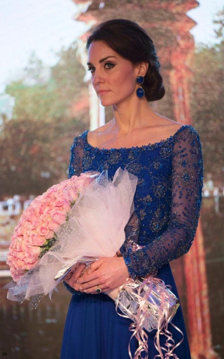 Duchess Kate: UPDATED: Queen Of The Night - It's Sapphire Blue Jenny Packham for Glittering Gala