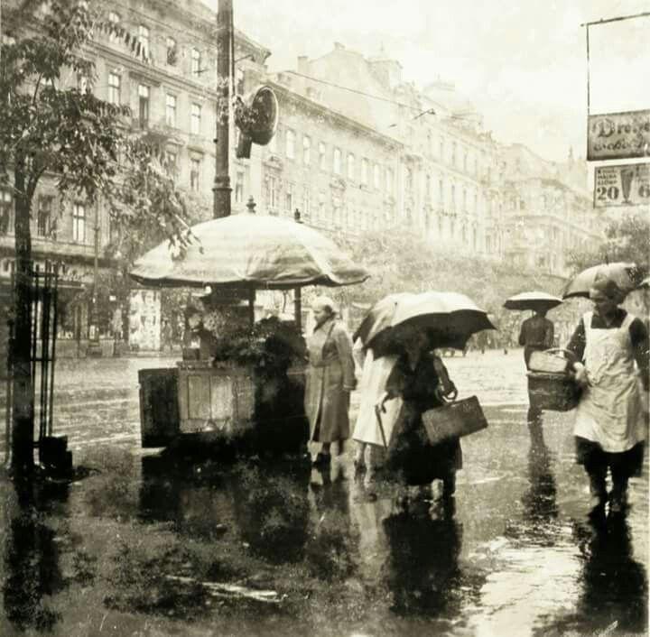 1935. Szt. István körút Visegrádi utca sarok.