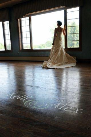 Maßgeschneidertes Dekor für die Tanzfläche! (Leben in Großbuchstaben) – M …   – Hochzeitskleider