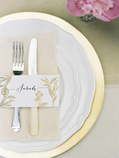 Table decor: http://www.stylemepretty.com/2014/09/30/elegant-backyard-wedding-in-australia/ | Photography: Bentinmarcs Photography - http://bentinmarcs.com/