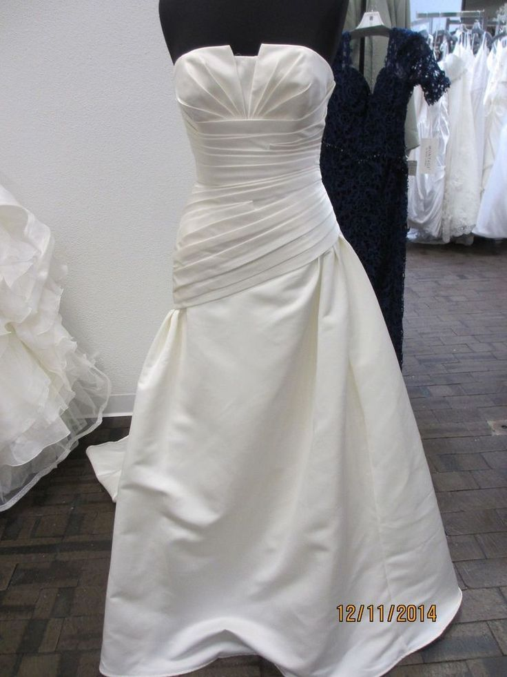 San Patrick Casino- bridal dress - size 14 - Off White-  (36L)