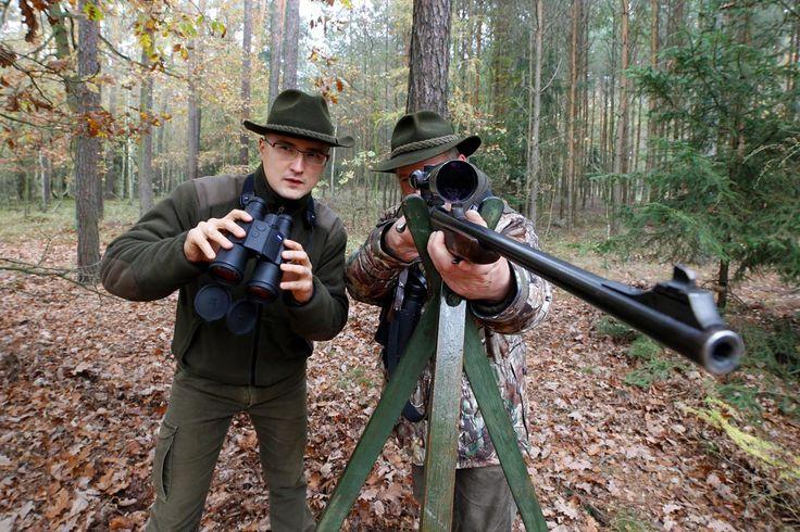 Łowy w kniei powinno poprzedzić polowanie w Internecie. Na niemieckim portalu z bronią myśliwską egun.de można znaleźć prawdziwe okazje. Mamy październik, zaczynają się zbiorówki i dlatego skoncentrowałem się na trójlufkach, nadlufkach i lewarach.